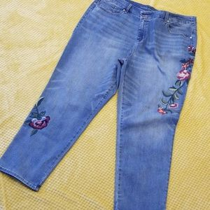 NWT Chico Embroidered Jeans